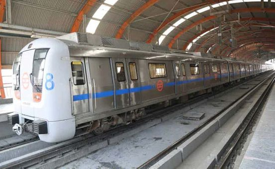 https://in.avalanches.com/delhi_elderly_man_being_treated_for_depression_attempts_suicide_at_delhi_metro5310_11_10_2019