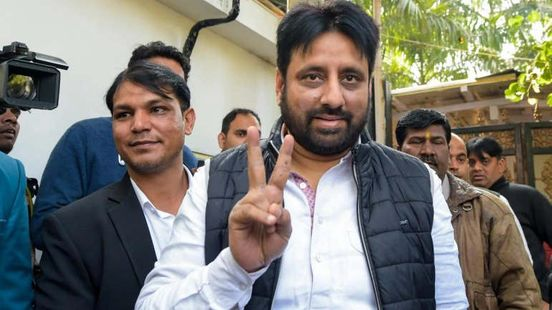 https://in.avalanches.com/delhi_amanatullah_khan_who_was_removed_from_the_post_of_chairman_of_delhi_w38483_24_03_2020