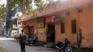 https://in.avalanches.com/delhi_burglars_break_into_the_post_office_broke_the_vault_and_got_only_487_21484_04_01_2020