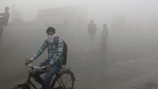 https://in.avalanches.com/delhi_delhi_pollution_severe_plus_flights_diverted_noida_schools_shut_till_tuesday11844_15_11_2019