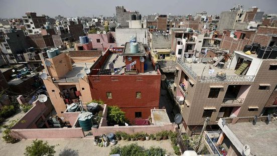 https://in.avalanches.com/delhi_lg_directs_the_delhi_government_officials_to_work_on_notifying_the_unauthorized_colonies11681_14_11_2019