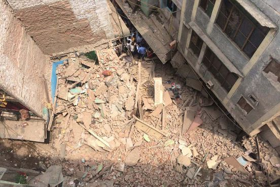 https://in.avalanches.com/kolkata_after_underconstruction_shed_collapses_one_dead_at_shalimar_station3247_30_09_2019