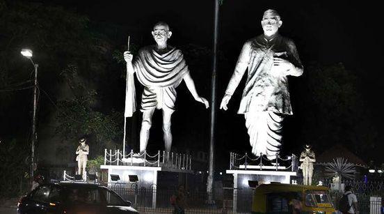 https://in.avalanches.com/kolkata_bengal_civic_polls_tmcs_statue_politics_against_bjp16746_10_12_2019