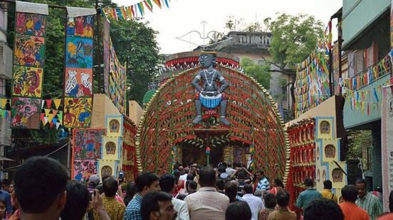 https://in.avalanches.com/kolkata_with_the_beginning_of_durga_puja_festivities_in_kolkata_environment_gets_a_raw_deal2847_28_09_2019