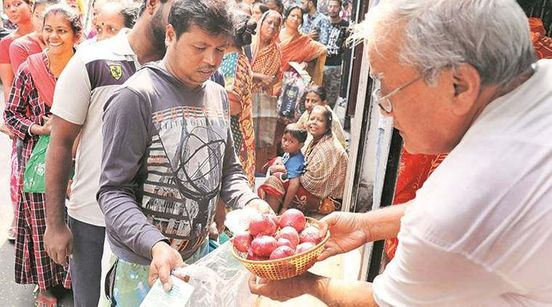 https://in.avalanches.com/kolkata_cm_mamta_banerjee_reached_the_vegetable_market_asked_onion_price16806_10_12_2019