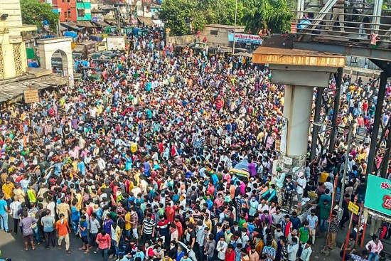 https://in.avalanches.com/mumbai__case_has_been_registered_against_1000_workers_for_gathering_at_bandra94085_15_04_2020