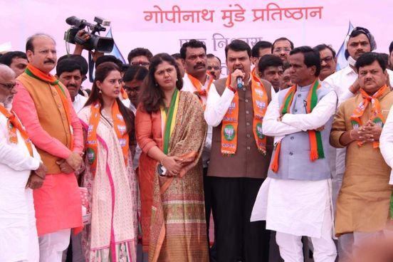 <strong>Pankaja Munde, sitting on a hunger strike in Marathwada over s