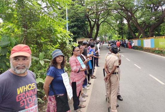 https://in.avalanches.com/mumbai_aarey_colony_trees_cutting_started_after_high_courts_order4307_05_10_2019