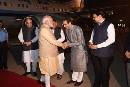 https://in.avalanches.com/mumbai_the_first_time_after_uddhav_becoming_cm_uddhav_and_modi_met_in_pune16160_07_12_2019