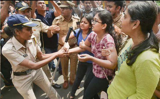 https://in.avalanches.com/mumbai_aarey_protest_1000_trees_axed_at_mumbais_aarey_colony_4299_05_10_2019