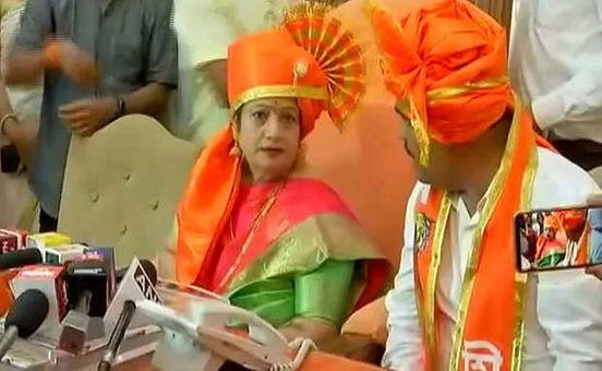 https://in.avalanches.com/mumbai_firebrand_kishori_pednekar_became_the_mayor_of_bmc13476_23_11_2019