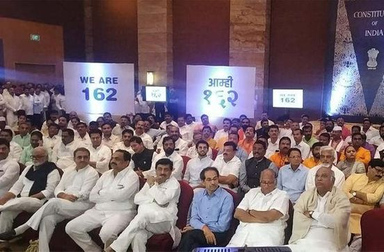 https://in.avalanches.com/mumbai_ncp_sena_and_congress_to_parade_160_mlas_in_a_hotel_13970_25_11_2019
