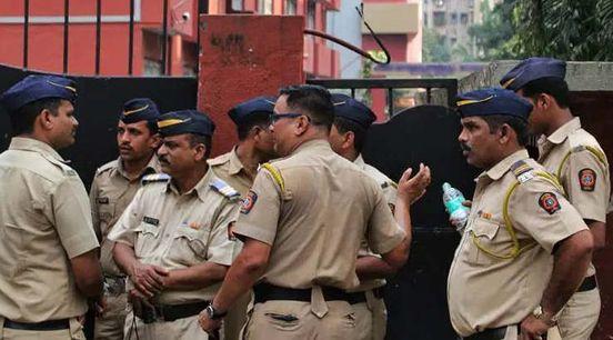 https://in.avalanches.com/mumbai_two_cops_held_for_seeking_bribe_in_mumbai3121_30_09_2019