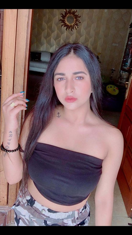 https://in.avalanches.com/mumbai_saamiya_gupta_21_years_old_girl_is_ruling_our_the_makeup_industry_in_t89698_14_04_2020