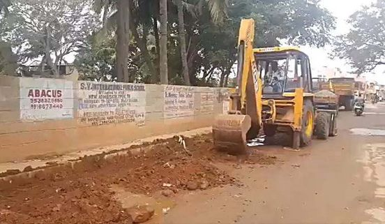 https://in.avalanches.com/bengaluru_chief_minister_of_bangalore_said_the_restoration_of_bangalores_road_a_top_priority11840_15_11_2019