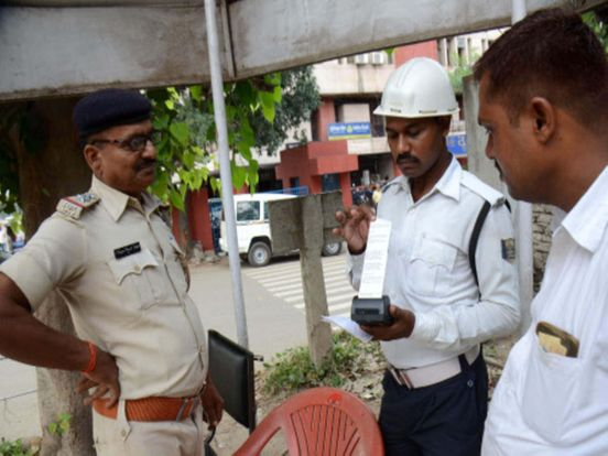 https://in.avalanches.com/ahmedabad__manpa_commissioner_made_mandatory_for_the_person_who_are_associated_w91778_14_04_2020