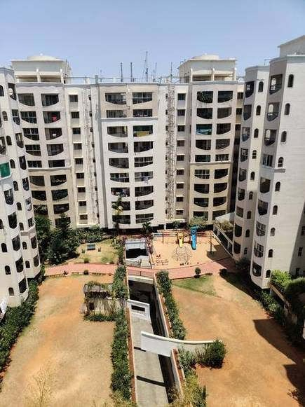 https://in.avalanches.com/ahmedabad__residents_of_the_shringra_residency_came_to_their_balconies_and_whole94105_15_04_2020