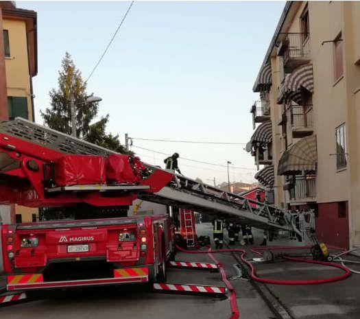 https://it.avalanches.com/venice_mattina_di_fuoco_in_una_casa_sulla_terraferma_di_venezia196152_02_05_2020