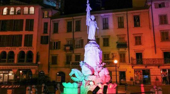 https://it.avalanches.com/bergamo__a_lovere_lilluminazione_del_borgo_della_luce_ha_ripreso_fuoco_la194865_02_05_2020