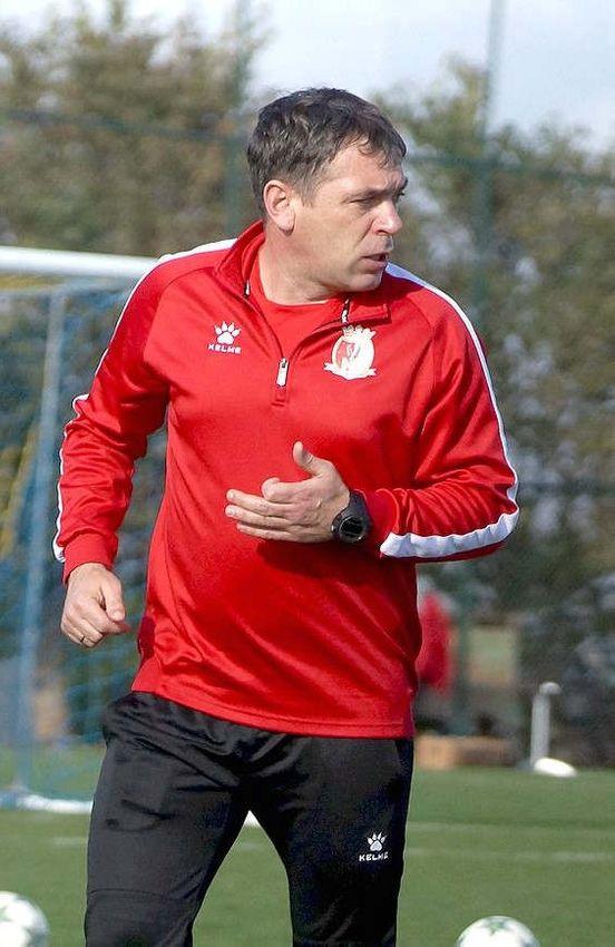 https://md.avalanches.com/bli_futbolni_klub_kzlzhar_vozhlavyl_novi_trener_viacheslav_rusnak26079_25_01_2020