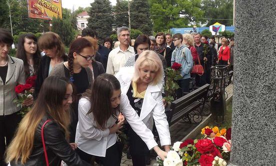 Жители города почли память известному поэту Михаю Эминеску