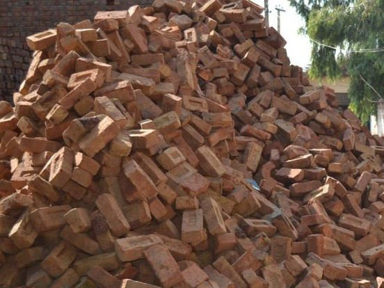 https://pk.avalanches.com/lahore_govt_directed_to_regulate_brick_manufacturing9520_02_11_2019