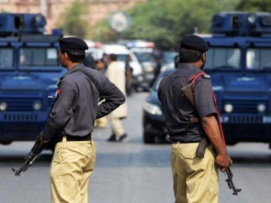 https://pk.avalanches.com/karachi_sindh_police_close_to_arrestrobbers_who_killed_studentat_university4993_09_10_2019