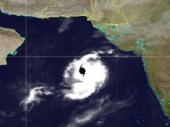 https://pk.avalanches.com/karachi_cyclone_maha_intensifies_but_still_no_threat_to_pakistans_coastal_areas9707_03_11_2019