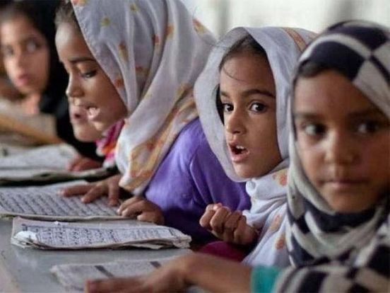 https://pk.avalanches.com/islamabad_17_private_schools_found_overcharging_in_pindi6952_21_10_2019