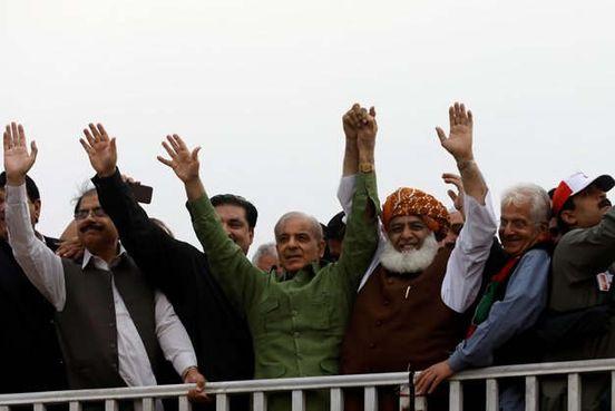 https://pk.avalanches.com/islamabad_azadi_march_maulana_fazl_sets_twoday_deadline_for_pm_imran_to_resign9178_01_11_2019