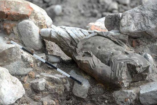 https://pl.avalanches.com/gdask_niezwyke_znalezisko_archeologw_znaleziono_kamienn_posta_mczyzny316006_23_05_2020