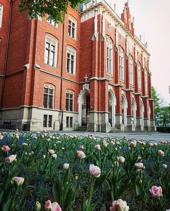 https://pl.avalanches.com/krakw_spacer_po_uniwersytecie_jagielloskim_lub_uniwersytecie_krakowskim_u292027_19_05_2020