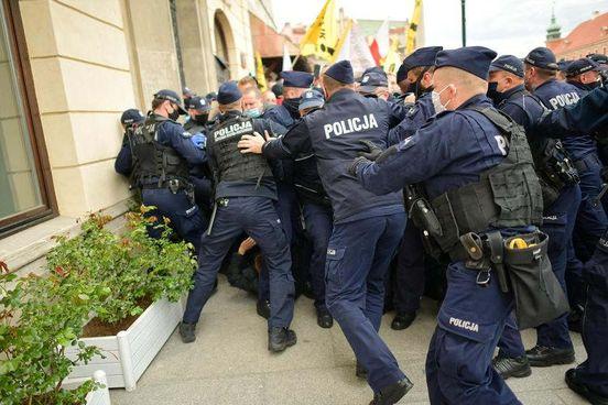 https://pl.avalanches.com/warsaw__konsekwencje_strajku_w_stolicy_380_winiw_wic_policja_podsumowa284995_17_05_2020