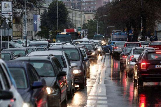 https://pl.avalanches.com/rzeszw__ocena_najbardziej_przyjazny_dla_kierowcw_miejskich_gdzie_jest_nasz262942_14_05_2020