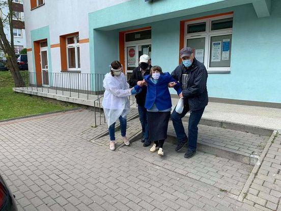 https://pl.avalanches.com/biaystok__skarga_do_narodowego_funduszu_zdrowia_pielgniarka_nie_przysza_zmie316030_23_05_2020