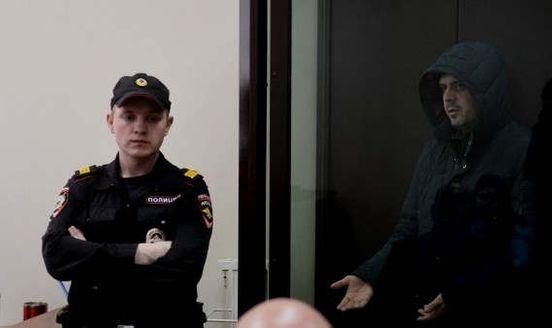 https://ru.avalanches.com/yekaterinburg_obvyniaemi_v_yzbyenyy_poprosylsia_domoi_v_ekaterynburhe36222_14_03_2020