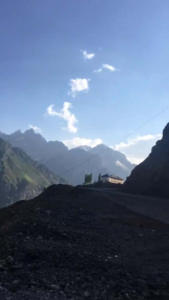 https://ru.avalanches.com/tyumen_baza_otdkha_varzob33754_02_03_2020
