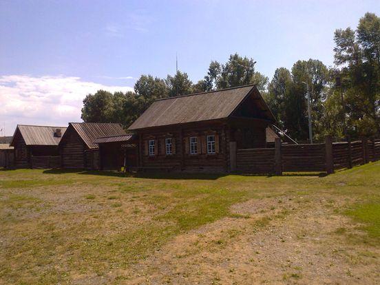 https://ru.avalanches.com/shushenskoye_muzei_pod_otkrtm_nebom_raspolozhen_v_sele_shushenskom_iavliaetsia_obekt33125_29_02_2020