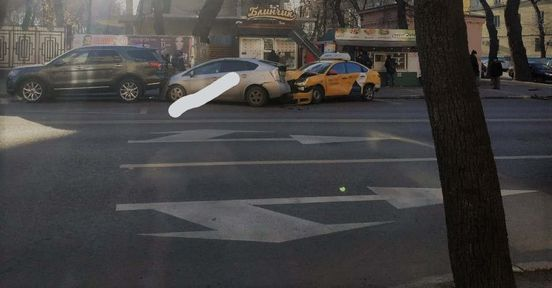 https://ru.avalanches.com/voronezh_dtp_v_voronezhe_s_uchastyem_3kh_avtomobylei13395_22_11_2019