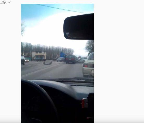 https://ru.avalanches.com/voronezh_massovoe_dtp_s_uchastyem_5_avtomobylei12221_16_11_2019