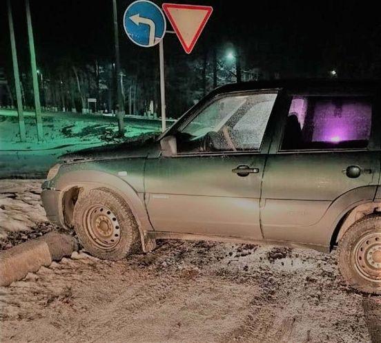 https://ru.avalanches.com/voronezh_zhenshchyna_v_netrezvom_sostoianyy_vletela_v_kiuvet_na_avtomobyle25081_21_01_2020