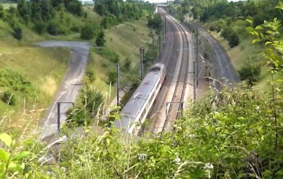 Скоростная железная дорога свяжет Санкт-Петербург и Москву к 2026 году