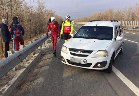 https://ru.avalanches.com/samara_v_samare_avtomobylyst_sbyl_kolonnu_velosypedystov8058_27_10_2019