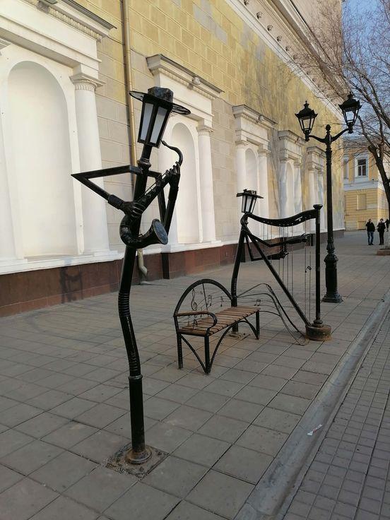 https://ru.avalanches.com/orenburg__v_orenburhe_na_ulytse_sovetskoi_poiavylys_ynteresne_skulptur_svoei38788_26_03_2020
