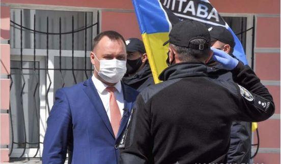 https://ua.avalanches.com/poltava_nachalnykom_politsii_poltavshchyni_buly_vidznacheni_naikrashchi_pratsivnyky_bat182567_30_04_2020