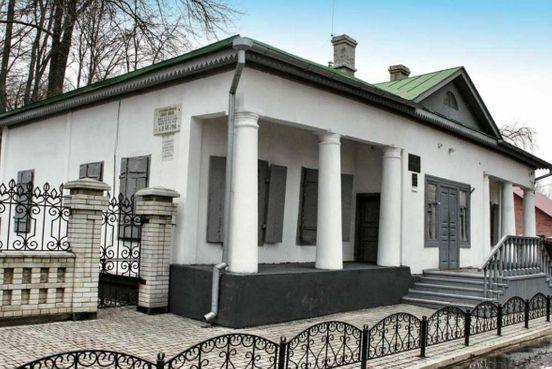 https://ua.avalanches.com/sumy_budynokmuzei_chekhova_misto_sumy12975_20_11_2019
