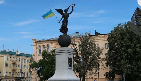 Я подорожую по всій Україні і за її межами, і тут буду ділитися з вами своїми фото і враженнями)