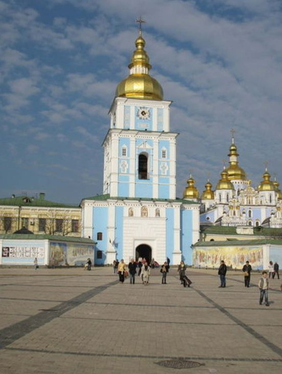 https://ua.avalanches.com/kyiv_kyievopecherska_lavra_v_kyievi_11650_14_11_2019
