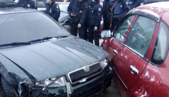 https://ua.avalanches.com/kyiv_v_stolytse_piani_vodyla_protaranyl_try_avtomobylia_y_posle_toho_pta208692_05_05_2020