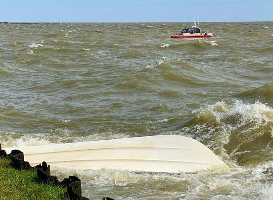 https://us.avalanches.com/new_orleans_after_boat_capsizes_on_lake_pontchartrain_body_recovered_one_hospita71655_11_04_2020